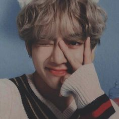 Read Especial pictures from the story 𝖗𝖊𝖆𝖈𝖈𝖎𝖔𝖓𝖊𝖘 ㅡ kim taehyung by jimin_mi_bias (𝐦𝐢𝐧 𝐦𝐢𝐧) with reads. Taehyung Selca, Bts Jungkook, Kim Namjoon, Seokjin, Daegu, Jung So Min, Foto Bts, Jung Hoseok, K Pop