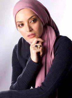 Iranian Women Iranian Beauty, Iranian Women, Hijab Fashion, Girl Fashion, Divas, Turban, Beauty Women, Beautiful Women, African