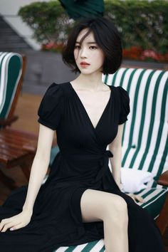 ourcolorfulseoul:(via (8) Black dress   mode   Pinterest   Hair, Asian Makeup Tutorials and Asian Makeup)