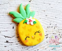Christmas shortbread with candied orange and thyme - HQ Recipes Iced Cookies, Cute Cookies, Royal Icing Cookies, Cookies Et Biscuits, Owl Cookies, Easter Cookies, Birthday Cookies, Pineapple Cookies, Cute Pineapple