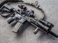 If only this wouldn't knock my little ass over we would be best friends. Ar Pistol Build, Tactical Life, Tactical Gear, Gun Vault, Ar Rifle, Battle Rifle, Custom Guns, Assault Rifle, Military Weapons