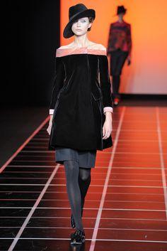 Giorgio Armani Fall 2012 Ready-to-Wear Fashion Show - Vlada Roslyakova