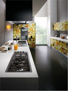 Awesome Bright and Alive Modern Kitchen Designs – Crystal by Scavolini : Bright And Alive Modern Kitchen Designs Crystal By Scavolini With White Wall Kitchen Island Oven Stove Chandelier Lamp Cabinet Sink Big Window And Hardwood Floor Modern Kitchen Cabinets, Old Kitchen, Kitchen Furniture, Kitchen Decor, Kitchen Ideas, Nice Kitchen, Kitchen Trends, Kitchen Colors, Kitchen Layout