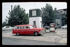 Wagons in vintage Street scenes - Page 14 - Station Wagon Forums