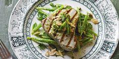 How To Cook Tuna, Cooking Tuna Steaks, Seared Tuna, Runner Beans, Tuna Recipes, Asparagus, Green Beans, Lunch, Dishes