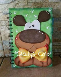 Cuaderno decorado de perrito Foam Crafts, Diy And Crafts, Crafts For Kids, Arts And Crafts, Paper Crafts, Crochet Dragon, Free Motion Embroidery, Book Sculpture, Animal Cards