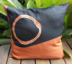 Almofada Ouroboros tecido Gabardine