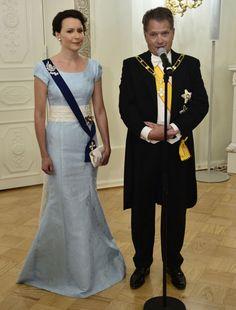 2014 -- Jenni Haukion upean puvun kangas Ranskasta