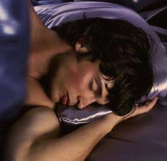 Tom Welling he's gorgeous when he sleeps