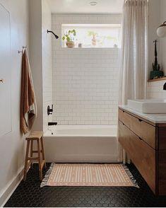 Hexagon Tile Bathroom Floor, Black Bathroom Floor, Black Tile Bathrooms, Small Full Bathroom, White Subway Tile Bathroom, Bathtub Tile, Shower Floor Tile, Upstairs Bathrooms, Bathroom Kids