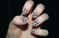 Leopard print nails have never been easier.