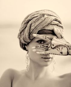 via: http://maisonboheme.blogspot.com/2011/09/today-is-head-scarf-day.html
