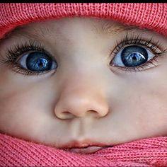Her eyes...!