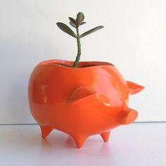 Via: http://bit.ly/yGkLOh  Web: http://www.etsy.com/listing/62271847/ceramic-pig-planter-vintage-design-in