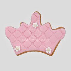 Μπισκότο Βάπτισης Κορώνα με Λουλουδάκια Cupcake Cookies, Cupcakes, Backrest Pillow, Sweets, Sugar, Cupcake Cakes, Gummi Candy, Candy, Goodies
