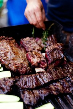 Who cooks and eats here: Zack Paul Where: Santa Barbara, CA Yesterday we learned all about Zack's Argentine grill technique, so today we're going to dive into how to best cook the veggies and meats once they hit that grate!