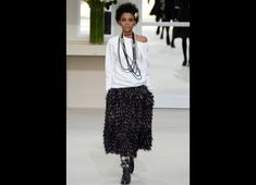 Chanel Fall/Winter 2016-2017 READY-TO-WEAR Fashion Show
