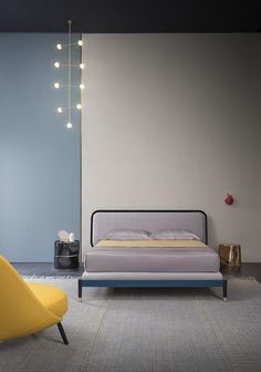 Salone del Mobile 2017 | letto AMANTE design by Cristina Celestino, moduli DEDALO, tavolino HAIK | AMANTE bed design by Cristina Celestino, DEDALO drawer units, HAIK side table | PIANCA | www.pianca.com