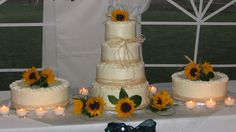 Cute and simple country wedding cake! Just how I'd like it!