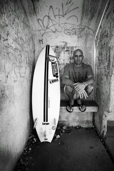 026 Kelly Slater - Professional Surfer ASP World Tour Champion Poster Kelly Slater, Professional Surfers, Surfer Boys, Soul Surfer, Martial, Skate Surf, Surf Style, Surfs Up, Kitesurfing