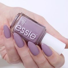 My favourite winter polishes - essie 'ciao effect' a gorgeous grey-lilac that's a modern twist on a pastel. Care Skin Condition and Treatment Oil Makeup Purple Manicure, Lilac Nails, Pastel Nails, Pastel Purple, Purple Grey, Light Purple Nails, Ombre Nail, Grey Acrylic Nails, Gray Nails
