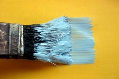 Cómo pintar la habitación del bebé.  Uno de nuestros aliados en la decoración de la habitación de tu pequeño príncipe o princesa será el color. Cambiar el tono de las paredes de una habitación nos dará la sensación de estar en un lugar completamente nuevo y sin gastarnos una fortuna. A continuación recogemos una lista de consejos para escoger el color que mejor se ajuste a nuestros hogares.   - See more at: http://www.pequenosprincipes.es/blog_es/pintar-habitacion-bebe
