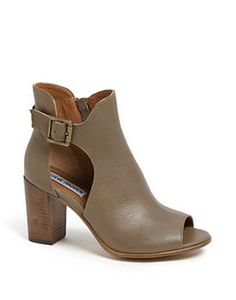 How to look like a rockstar - summer boots on mujomagazine.com