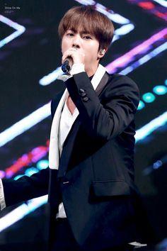 © Shine On Me   Do Not Edit (#161222) { #Jin #KimSeokjin #BTS #BangtanBoys #BangtanSonyeondan #BulletproofBoyscouts #ARMY #AdorableRepresentativeMCForYouth #BigHitEntertainment #Kpop #Fantaken } ©Tumblr