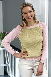 Ravelry: Stribet bluse med snoning ved raglan pattern by Hendes Verden