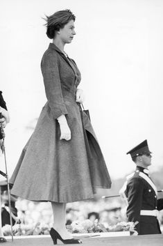 Queen Elizabeth At Her Royal Shoe Moments Crown Princess Victoria, Queen Victoria, Young Queen Elizabeth, Windsor, Die Queen, Duchess Of York, British Royal Families, Her Majesty The Queen, Prince Phillip