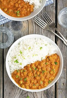 Enjoy authentic Indian flavors in this Healthy Chickpea Tikka Masala. Simple and easy vegetarian tikka masala recipe for a weeknight meal or to serve in a party. Veggie Recipes, Indian Food Recipes, Whole Food Recipes, Dinner Recipes, Cooking Recipes, Healthy Recipes, Soup Recipes, Vegan Indian Food, Vegan Lentil Recipes