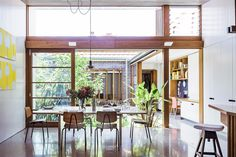 Take a tour of this small yet stunning house in Sydney, complete with internal courtyard, designed by an architect couple looking to downsize. Indoor Courtyard, Small Courtyard Gardens, Courtyard House Plans, Courtyard Design, Internal Courtyard, Small Courtyards, Indoor Garden, Courtyard Ideas, Patio Design