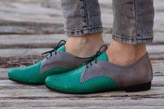 Cerca de cuero verde Oxford verde zapatos zapatos por BangiShop