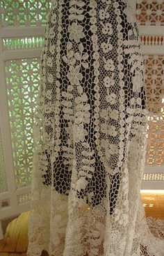 Maria Niforos - Fine Antique Lace, Linens & Textiles : Antique & Vintage Clothing # CL-57 Circa 1900, Superb Irish Crochet Skirt