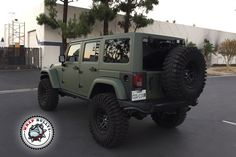 Matte green army jeep wrap