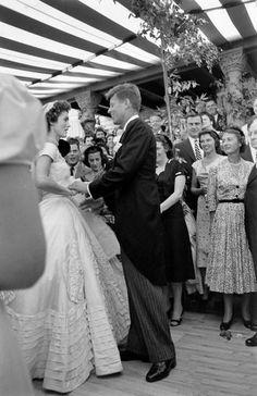 Jackie Kennedy Wedding, Jackie Kennedy Style, Jacqueline Kennedy Onassis, John Kennedy, Familia Kennedy, Jaqueline Kennedy, John Fitzgerald, Jfk, Life Magazine
