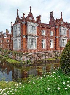 helmingham hall - Picture of Helmingham Hall Gardens, Helmingham ...