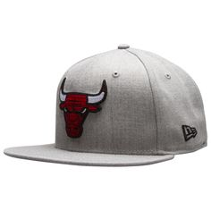 c787937a43b Chicago Bulls Heather Grey Cross-Stitch Bull Logo Fitted Flat Bill Hat by New  Era