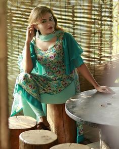 Pakistani Peoples Pp🇵🇰 ( Beautiful Girl Indian, Most Beautiful Indian Actress, Beautiful Hijab, Beautiful Dresses, Pakistani Dresses Casual, Indian Gowns Dresses, Sexy Dresses, Indian Designer Outfits, Indian Outfits