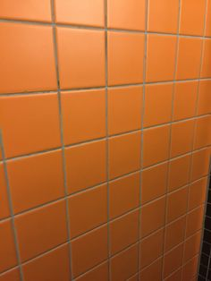 Metro tegels zwart wit toilet tegels pinterest - Metro tegels ...
