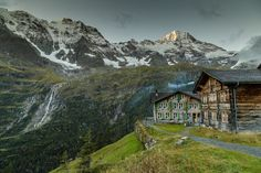 Naturparadies Hinteres Lauterbrunnental - Kerzenhotel Obersteinberg Hotels, Weekend Trips, Great View, Trekking, Places To Visit, Hiking, Europe, Mountains, Travel