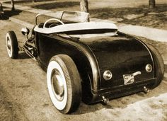 Awesome old roadster.