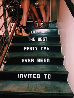 24 Of The Best Quotes On VSCO 24 Of The Best Quotes On VSCO Related inspirierende Zitate, die Ihnen helfen, nach Ihrer narzisstischen Beziehung Citations Inspirantes Qui Vont Changer Votre Vie. Inspirational Quotes For Girls, Quotes To Live By, Motivational Quotes, Inspire Quotes, Deep Quotes, Strong Quotes, Uplifting Quotes, Meaningful Quotes, Cute Quotes