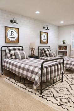 Here are 8 creative ideas to create the coolest kids bedrooms ever! Easy, affordable decorating strategies help solve your kids bedroom design challenges. Big Boy Bedrooms, Cool Kids Bedrooms, Boys Bedroom Decor, Guest Bedrooms, Bedroom Sets, Bedroom Wall, Bedroom Furniture, Boy Rooms, Kids Farm Bedroom