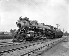 Southern #1395, Class Ps-4, 4-6-2 in the Crescent Limited passenger paint scheme. 44 of these Pacific Class locomotives were built in 1923 to 1928 from Schenectady, Richmond & Baldwin. They were retired in 1949 - 53.