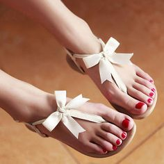 Genuine Leather Bow-Accent Thong Sandals