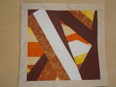 """Cojín técnica patchwork """"Crazy""""."""