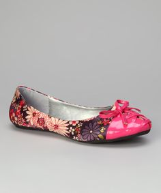 <p+style='margin-bottom:0px;'>Take+a+walk+on+the+whimsical+side+with+flats+adorned+in+satin+blooms.+Flaunting+a+chic+patent+toe+enhanced+by+corset+detailing,+this+pair+will+keep+feet+feeling+fabulous+as+they+tip-toe+through+the+tulips.<p+style='margin-bottom:0px;'><li+style='margin-bottom:0px;'>Man-made<li+style='margin-bottom:0px;'>Imported<br+/>