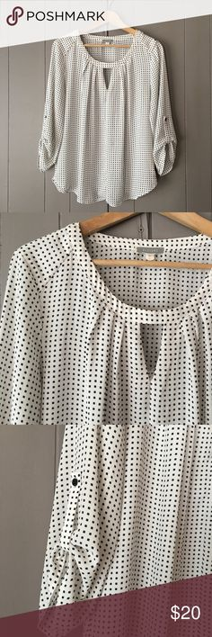 """Beautiful Nordstrom Black & White Keyhole Blouse✨ This top is gorgeous and in excellent condition! Armpit to armpit is 20.5"""". Length is 25"""". Offers are welcome. ☺️ Pleione Tops Blouses"""