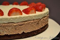 Chocolate and vanilla cheesecake with brownies base Brownies, Cheesecake, Chocolate, Desserts, Recipes, Base, Food, Cake Brownies, Tailgate Desserts